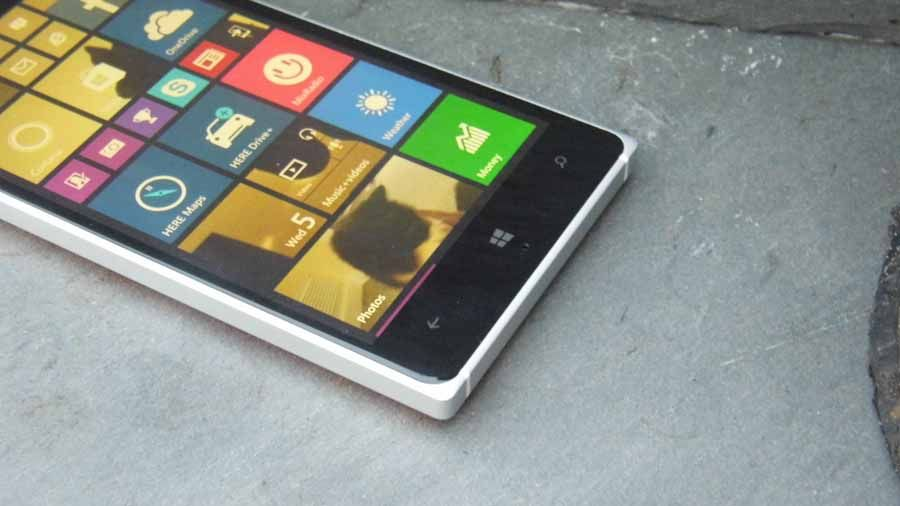 Windows 10 Mobile is rolling out to current phones in December